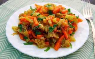 Овощное рагу с баклажанами перцем и помидорами