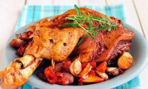 Как замариновать и запечь свиную рульку в духовке