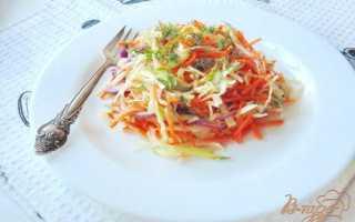 Капустный салат с морковью и огурцом