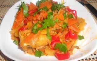 рецепт приготовления тушеный хек с овощами