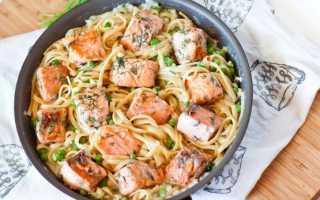Макароны с лососем в сливочном соусе
