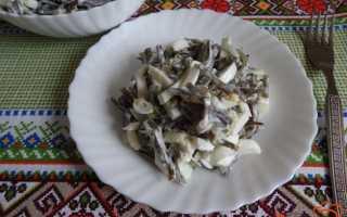 Салат из морской капусты с луком