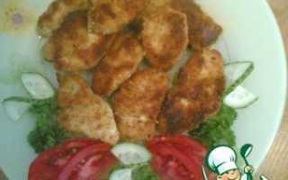 Куриное филе в панировочных сухарях на сковороде гриль