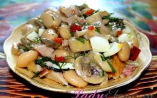 Быстрый салат с маринованными грибами