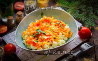 Макароны с пережаркой из лука и моркови