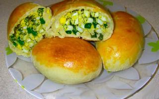 Обалденные пирожки с яйцом и зеленым луком